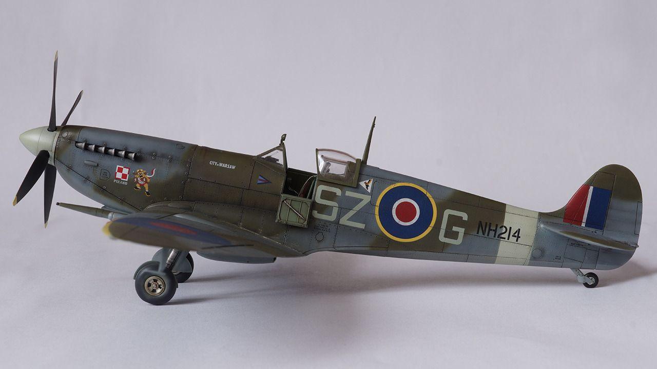 Modelarstwo Z Pasją Zobacz Wątek Spitfire Ixc Sz G Eduard 1 48 Spitfire Model Model Ships Scale Models
