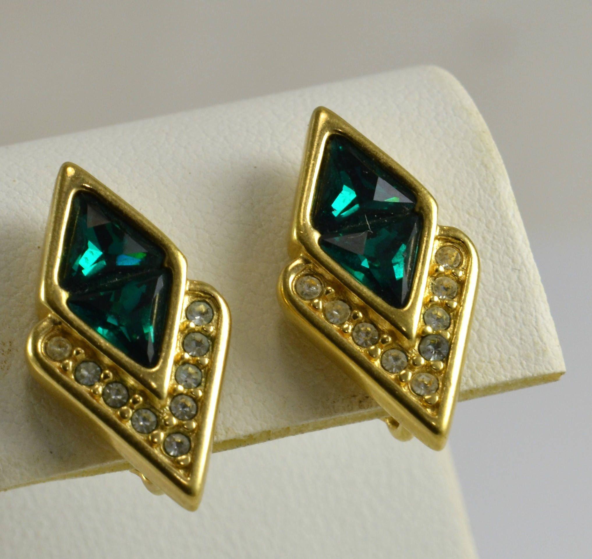 Emerald Green Rhinestone Earrings  Vintage Clip On  Gold Tone  Art Deco  Style