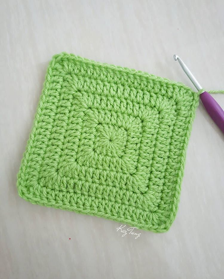 Solid granny square without gaps. Just keep doing 2dc, 1tr, 2dc into ...