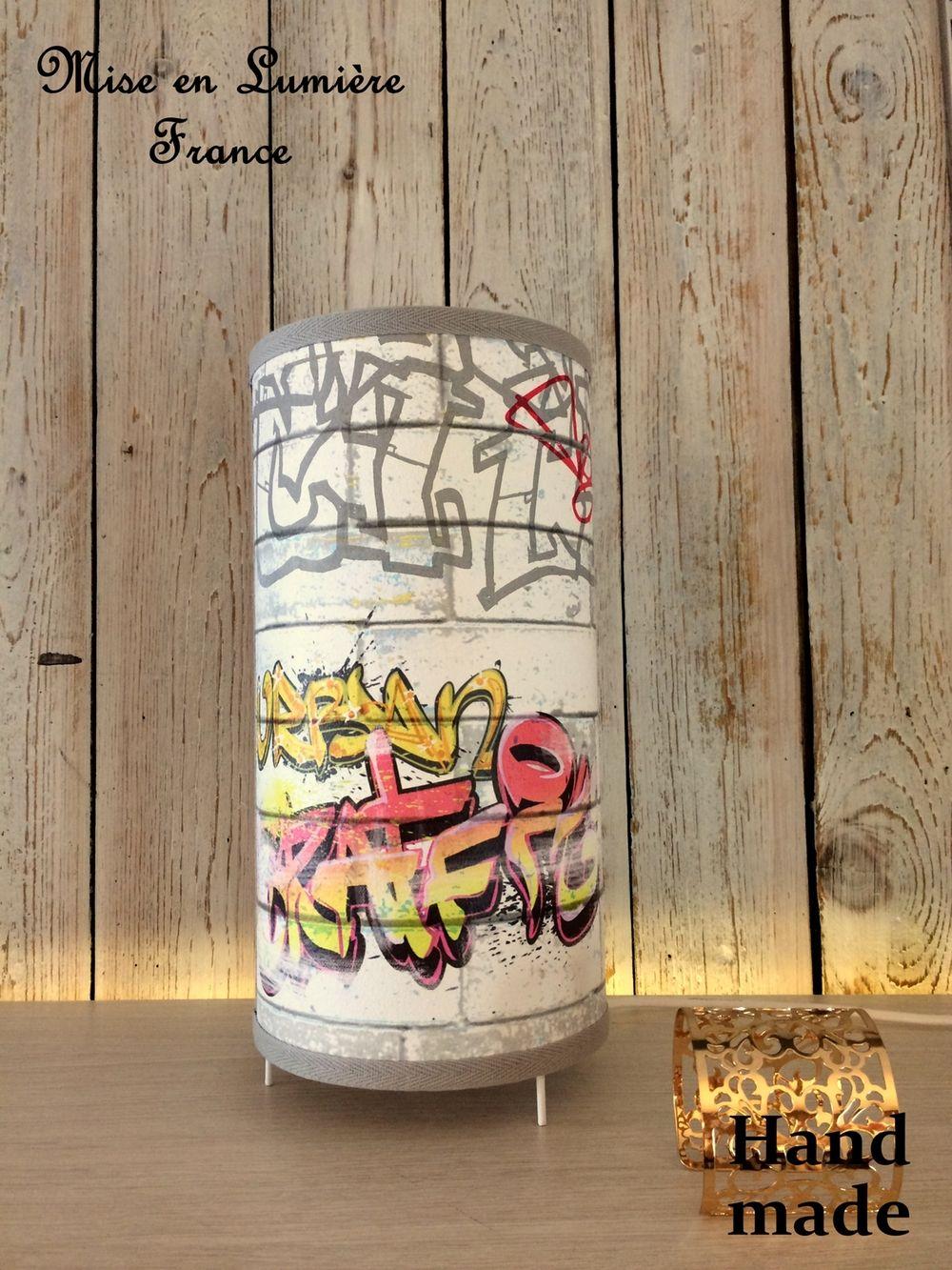 Lampe À Mise Poser Imprimé En Cylindrique Forme Gris Via Graffiti DEIW29H