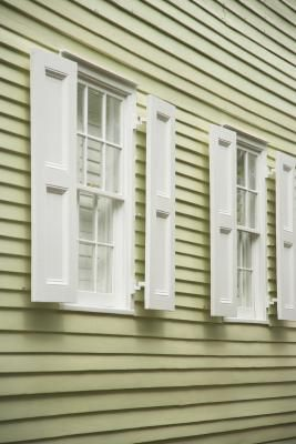 How To Remove Chalking From Vinyl Shutters Vinyl Shutters Vinyl Siding Exterior Vinyl Shutters