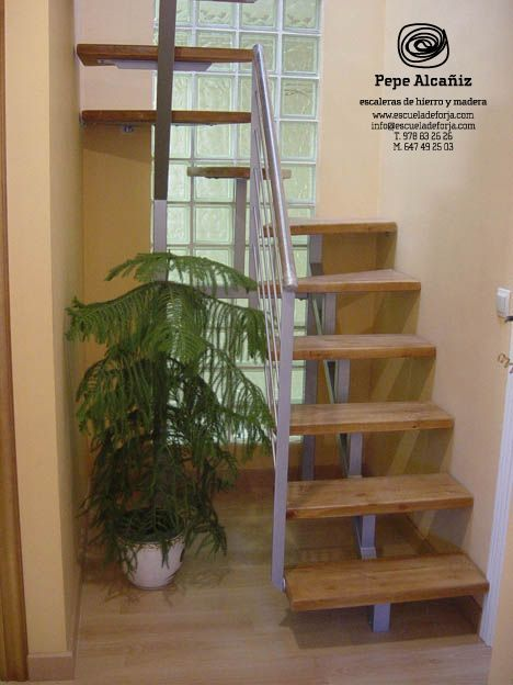 26 escaleras de caracol para casas peque as escalera en 2018 pinterest interior stairs y - Escaleras de diseno para interiores ...