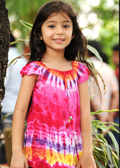 Kobik fancast Sara Arjun Indian film actress, Tie dye