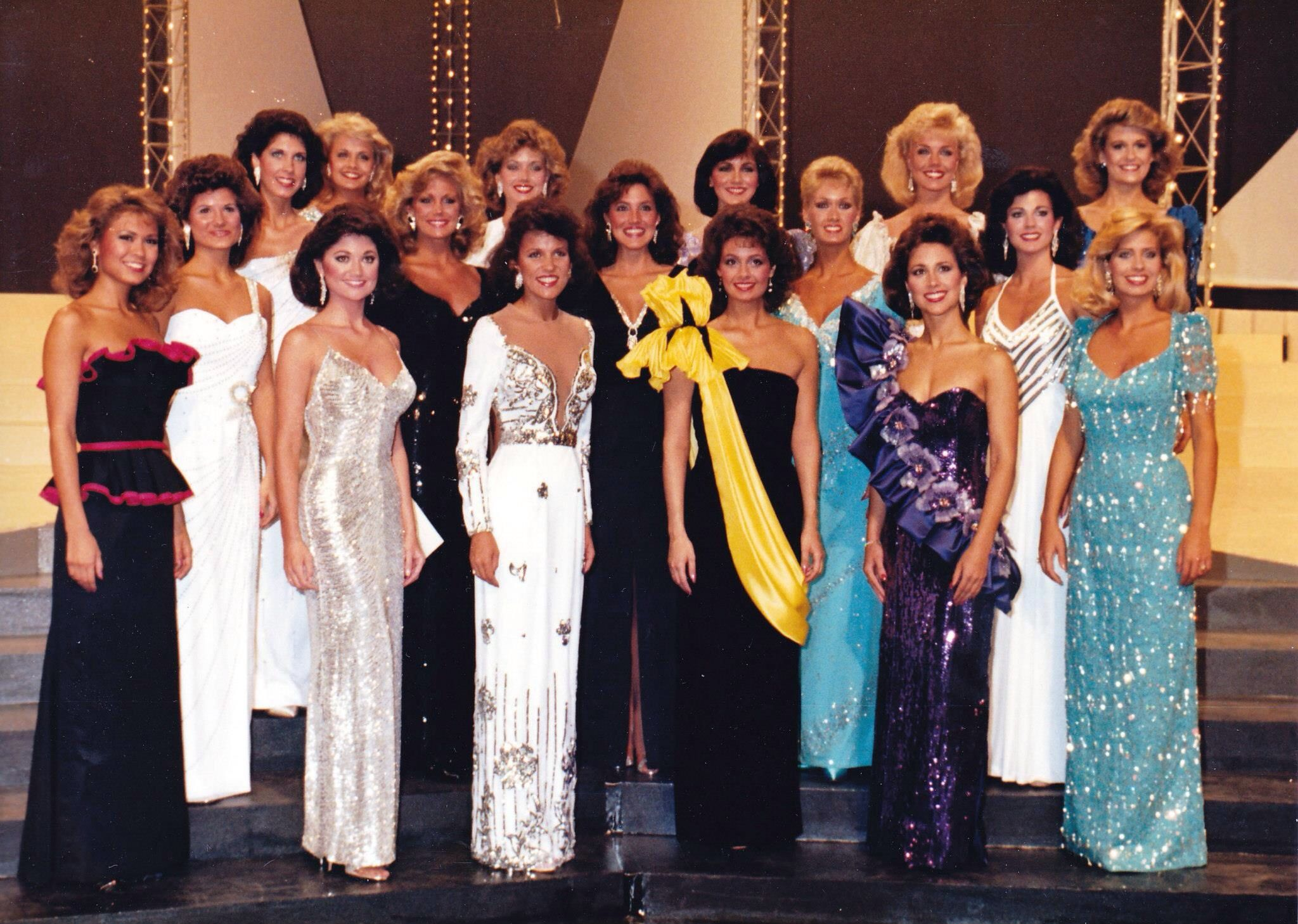 Miss America Contestants In Evening Gown In 1985 [ 1458 x 2048 Pixel ]