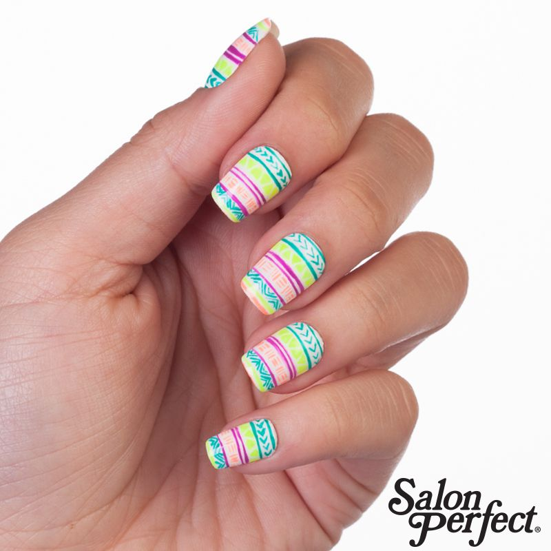 Brighten up your Monday with these summer nails! Salon
