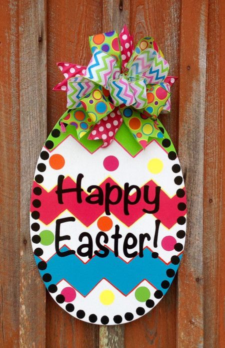 17 ideas para decorar con huevos de pascua eastereggs for Decoracion de la puerta de entrada