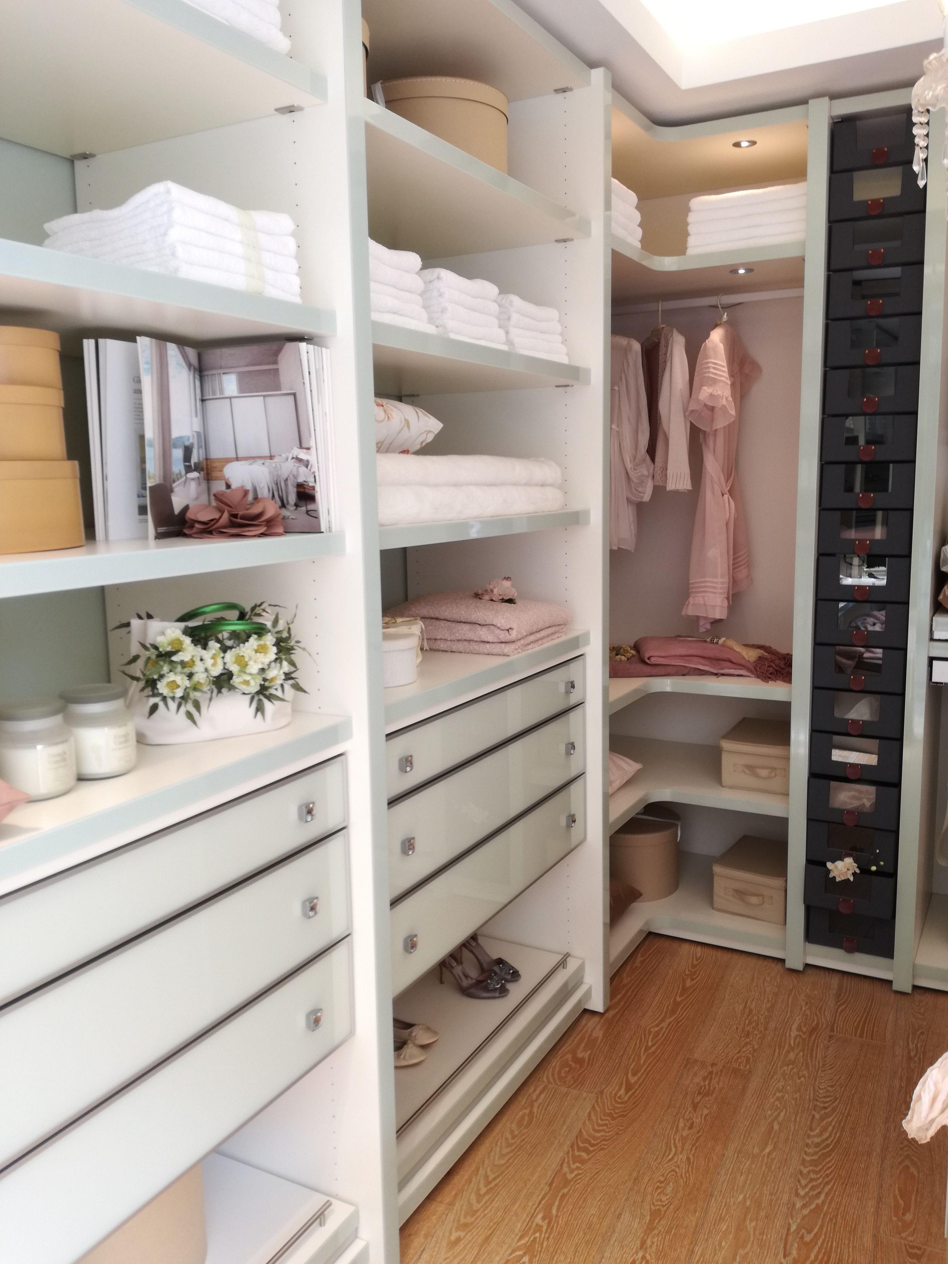 Begehbarer Kleiderschrank   Ankleidezimmer design ...