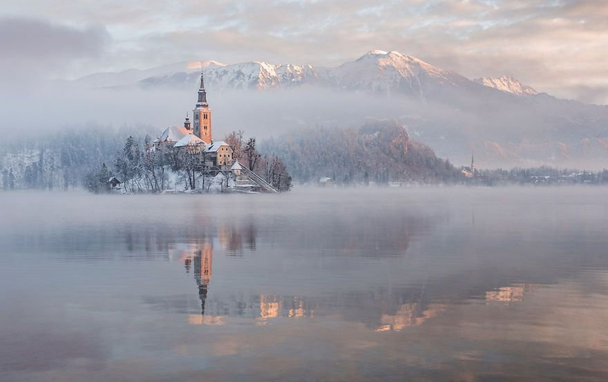 [Trending] I Photographed Lake Bled On A Fairytale Winter Morning