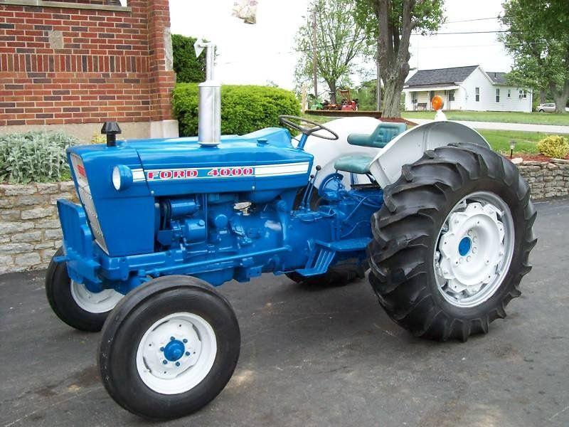 Ford 4000 Ford Tractors Tractors Old Tractors