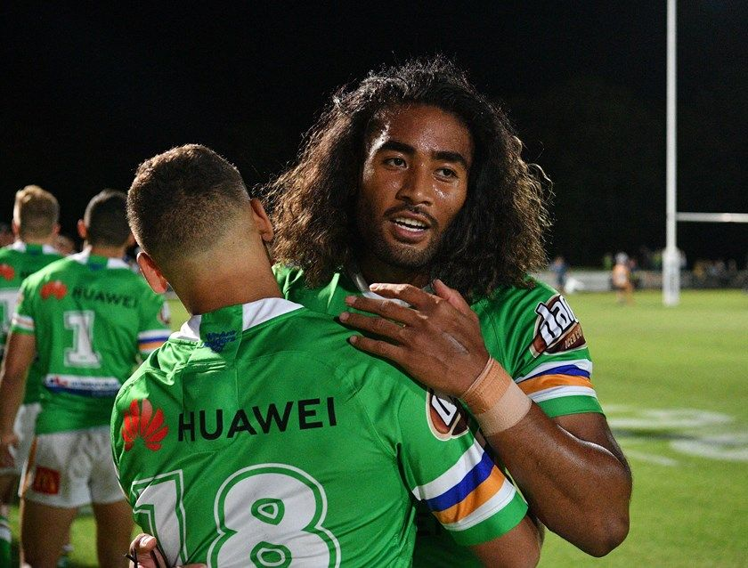 Andre Niko Is Congratulated After His Try Nrl Williams Home Team