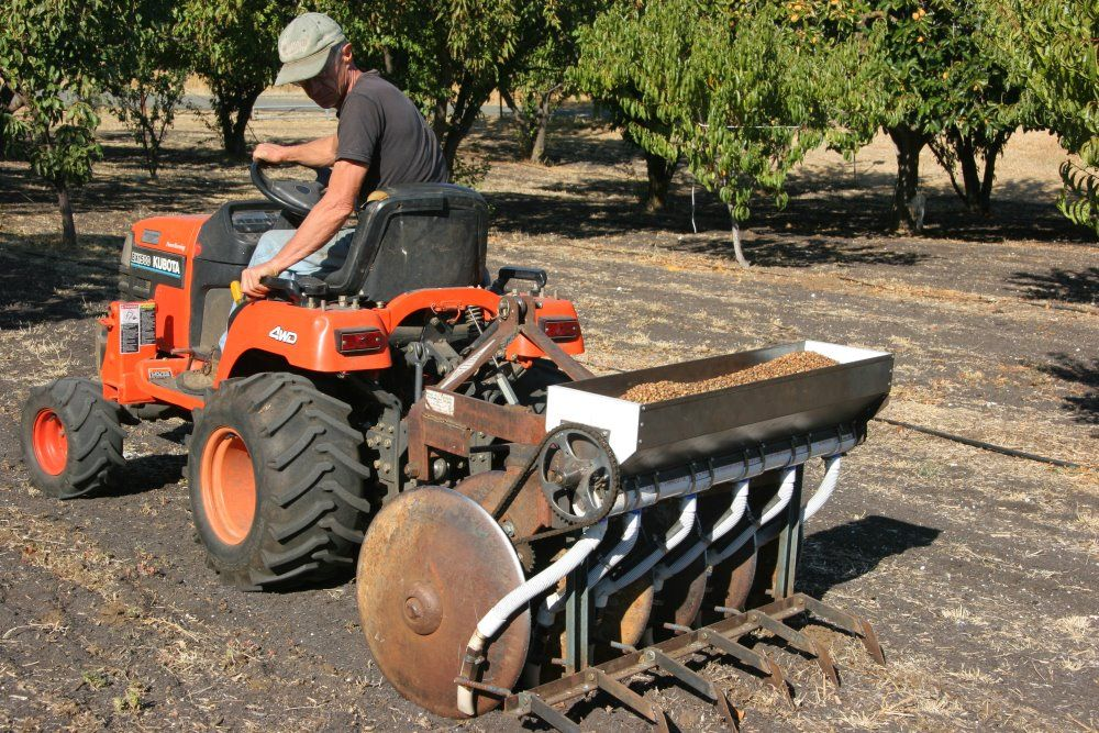 A home built no till seed drill well illustrated on the for Gardening tools wikipedia