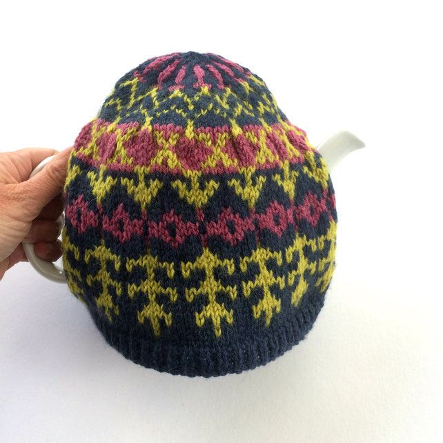 Fair Isle knitted tea cosy | Tea cosy, Fair isle knitting ...