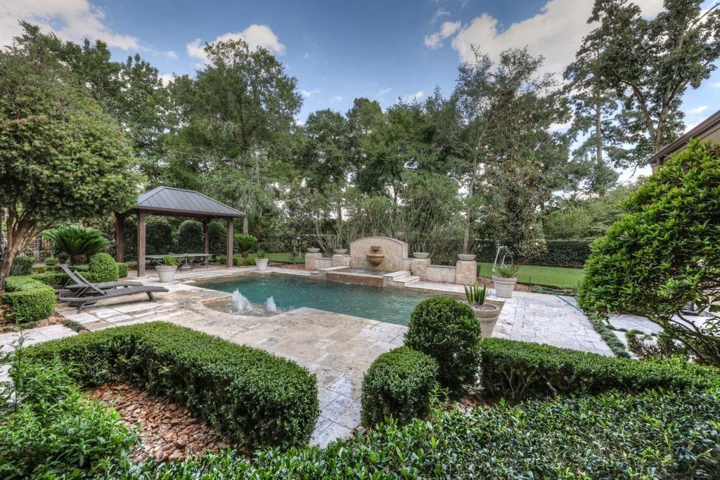 15 Hepplewhite Way Spring Tx 77382 Mls 1206224 Zillow Outdoor Kitchen Patio Pool Outdoor Rooms Pool Patio