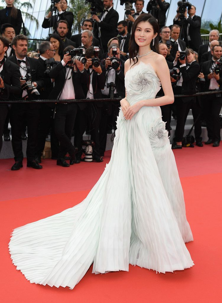 Sui He Photostream | Nice dresses, Cannes film festival, Bold dresses