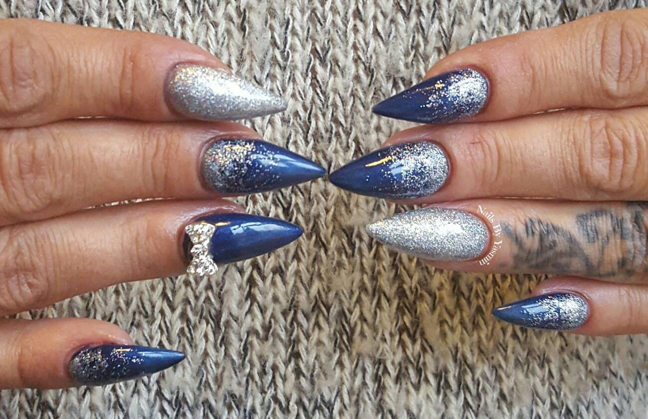 lækre gele negle med Gel polish og negle glimmer lavet af Yasmin, en af vores søde negletekniker elever.