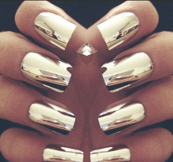 Create A Statement By Making Full Gold Metallic Foil Inspired Nails