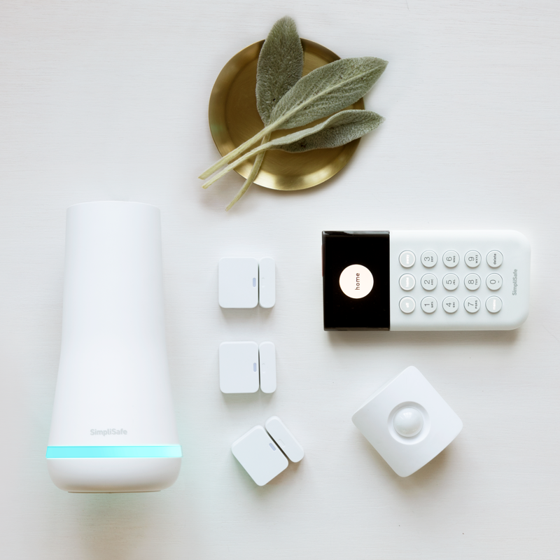 Simplisafe Best Home Security System Do It Yourself Complete In 2020 Best Home Security System Diy Security System Home Security Systems