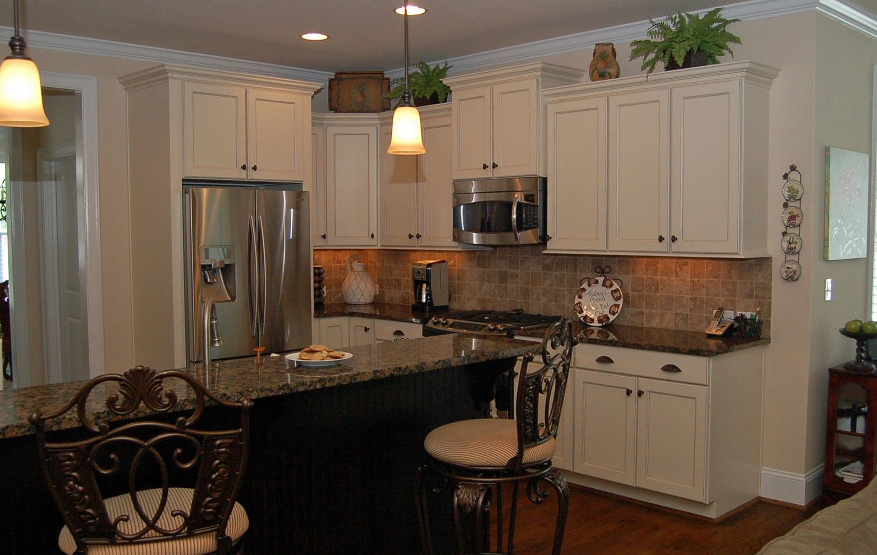 Off White Kitchen Cabinets With Antique Brown Granite Kitchen Desaignwhite Kitchen Cabinets With Antique Brown Granite