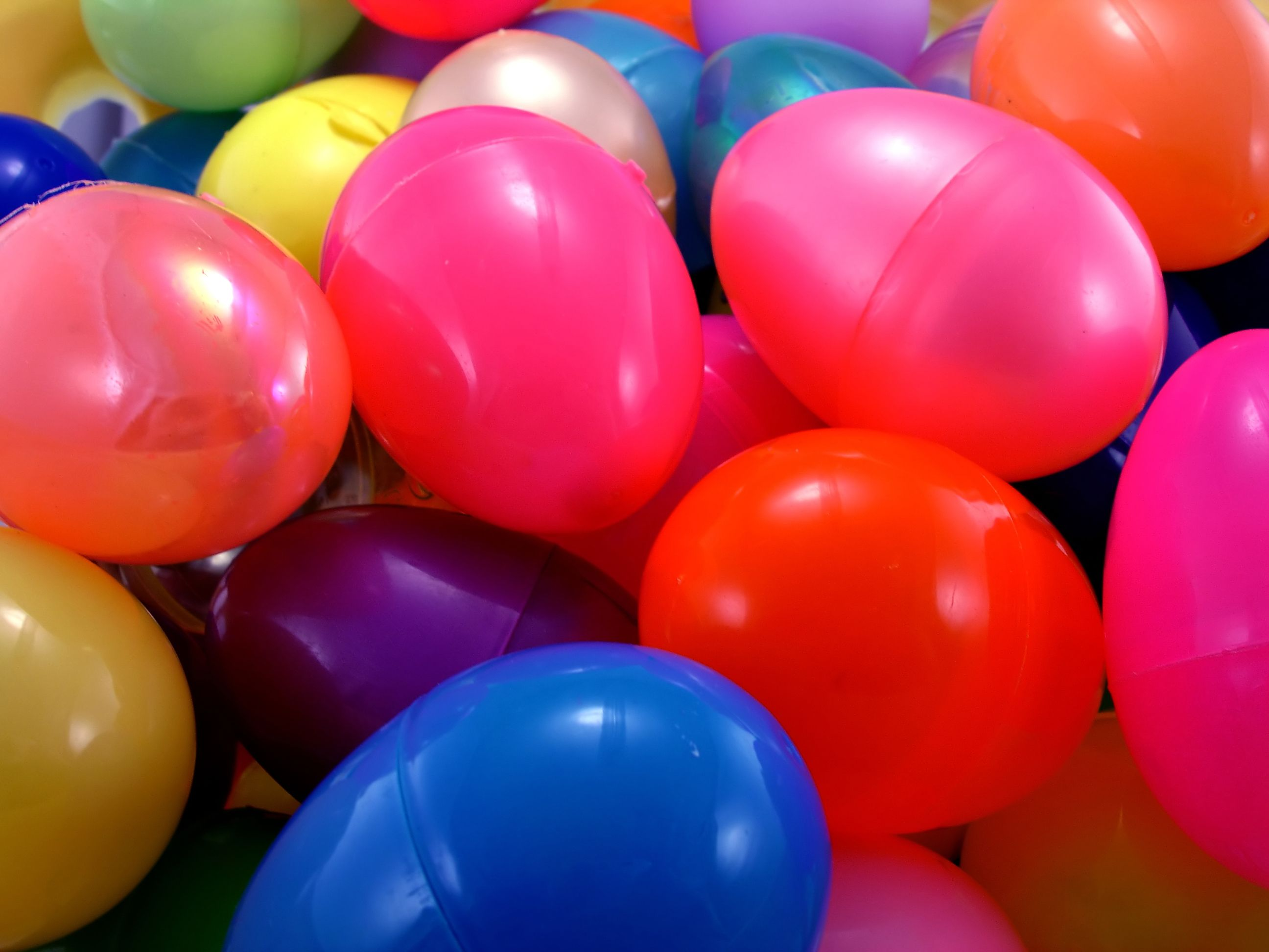 15 Games To Play With Plastic Eggs Easter Time