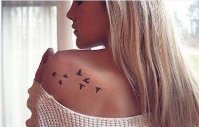 tatuaje en la espalda mujer pequeo Buscar con Google small and