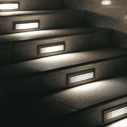 Iluminaci n exteriores empotrada para escaleras de for Iluminacion para exteriores