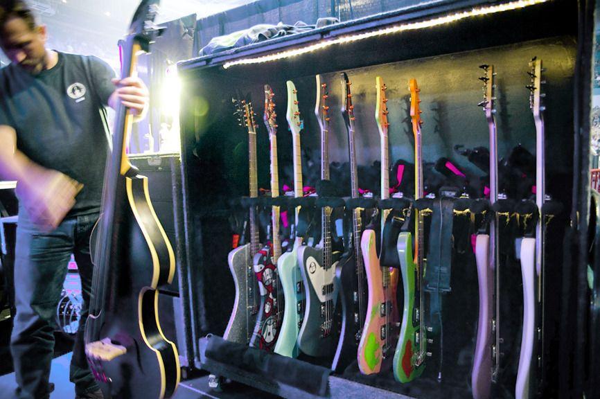 Pearl Jam gear | Lightning Bolt tour
