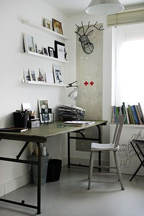 ways to decorate office. Rethink Your Desk: 5 Ways To Create A More Inspiring Space. How Make The Most Of Space Where You Work, Pay Bills Or Do Crafts? Decorate Office S