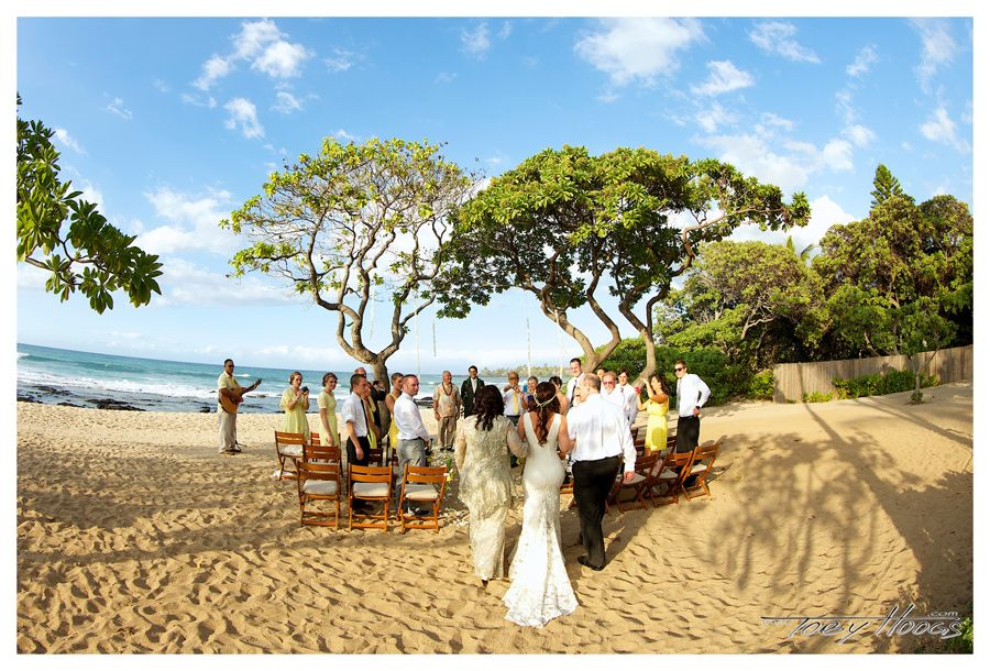 Kumukea Beach Ceremony - Flowers By Heidi