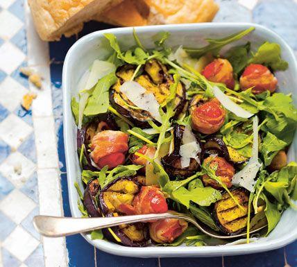 Gegrilde aubergine met cherrytomaatjes en pecorino - Recept - Jumbo Supermarkten