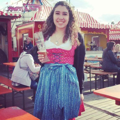 Hoy quisiera contarles sobre el año que pase aprendiendo alemán en Múnich, la capital de Baviera. Fui allí decidida a dar el primer paso para poder hacer mi vida en este país, el cual fue el país d…