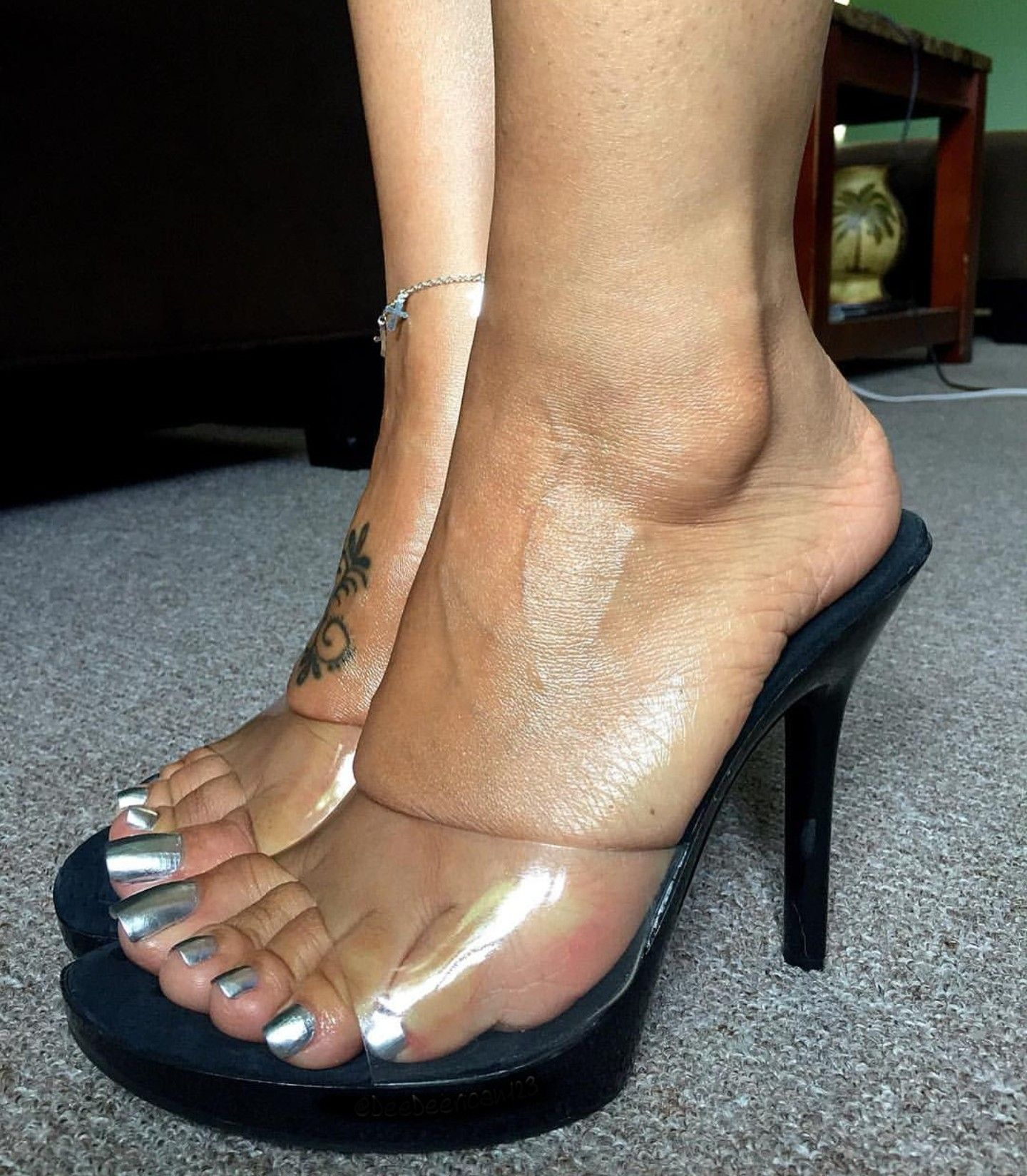 Nice Silver Toenails
