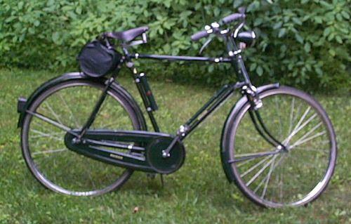 Vintage 1957 Raleigh Rudge English 3 Speed Cruiser Urban Bicycle Raleigh Bicycle Vintage Bicycles