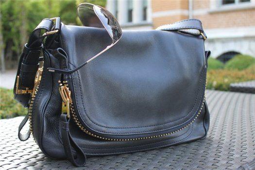 Jennifer Aniston S New Bag Tom Ford Flap Over Zip