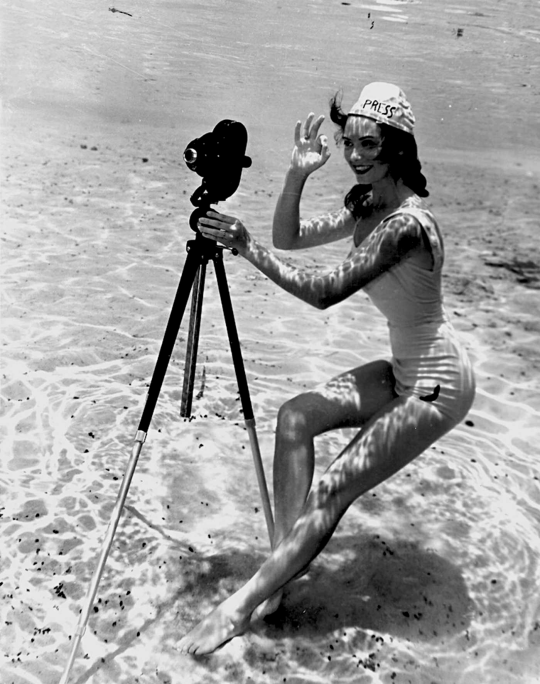 The world of old photography. Bruce Mozert: Camera perfect, not dated