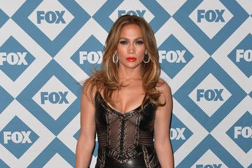 Jennifer Lopez is Pretty in Pastels on 'American Idol' - The Boob Tube - StyleBistro