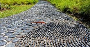 Resultado de imagen para jardines con piedras