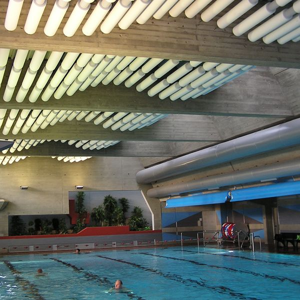 Rondo acoustical baffles panneaux acoustiques pinterest ceiling treatments ceilings and for Indoor swimming pool ceiling materials