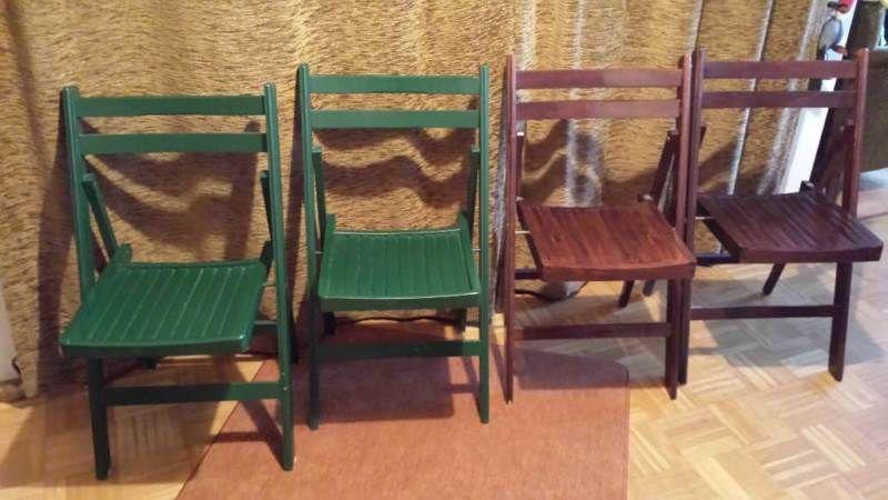 4 Klappstühle aus Holz, gebraucht.2 braune, 2 grüne
