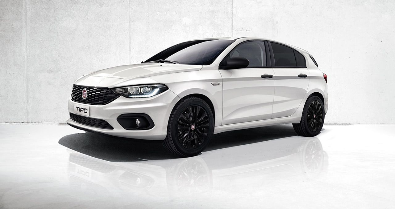 Fiat News The New Tipo Mirror And Street Enrich The Fiat Tipo