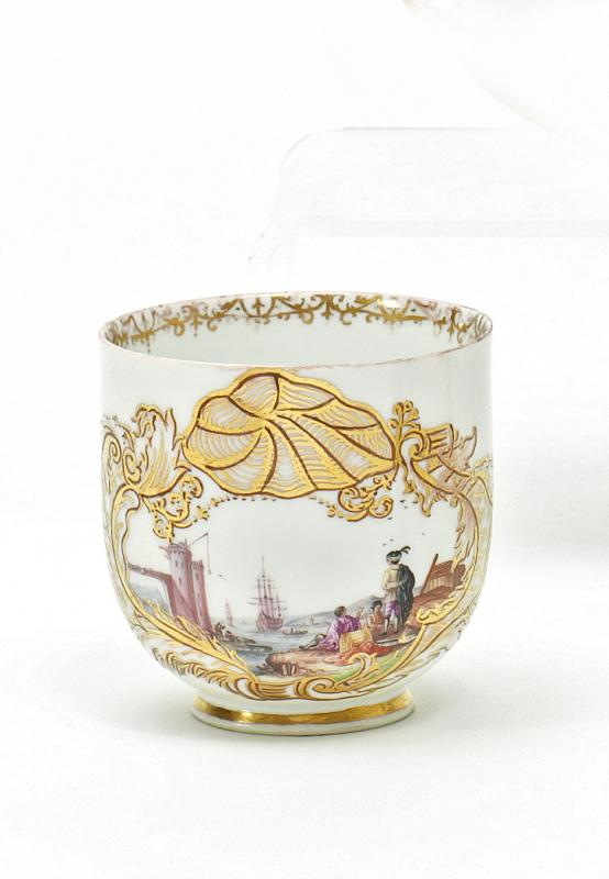Coffee Dish (Cup with no handles) with Scenes from a Merchant's Journey.   Meissen. Circa 1735/40.