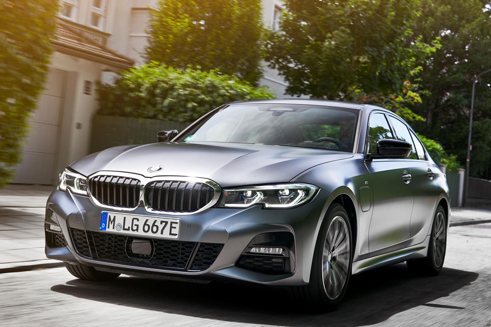 2021 BMW 3 Series Hybrid Arrives With 288 Horsepower in
