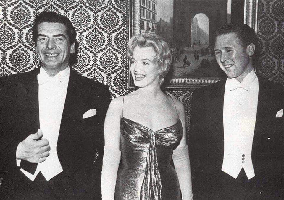 Marilyn At The Royal Film Premiere Of The Battle Of The River