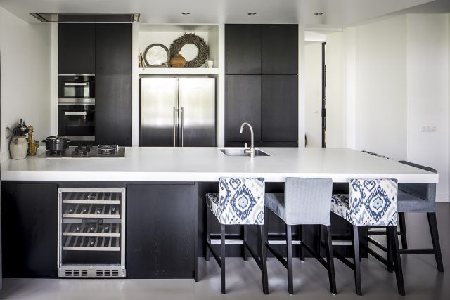 Groothuisbouw rietgedekte villa keukens villa