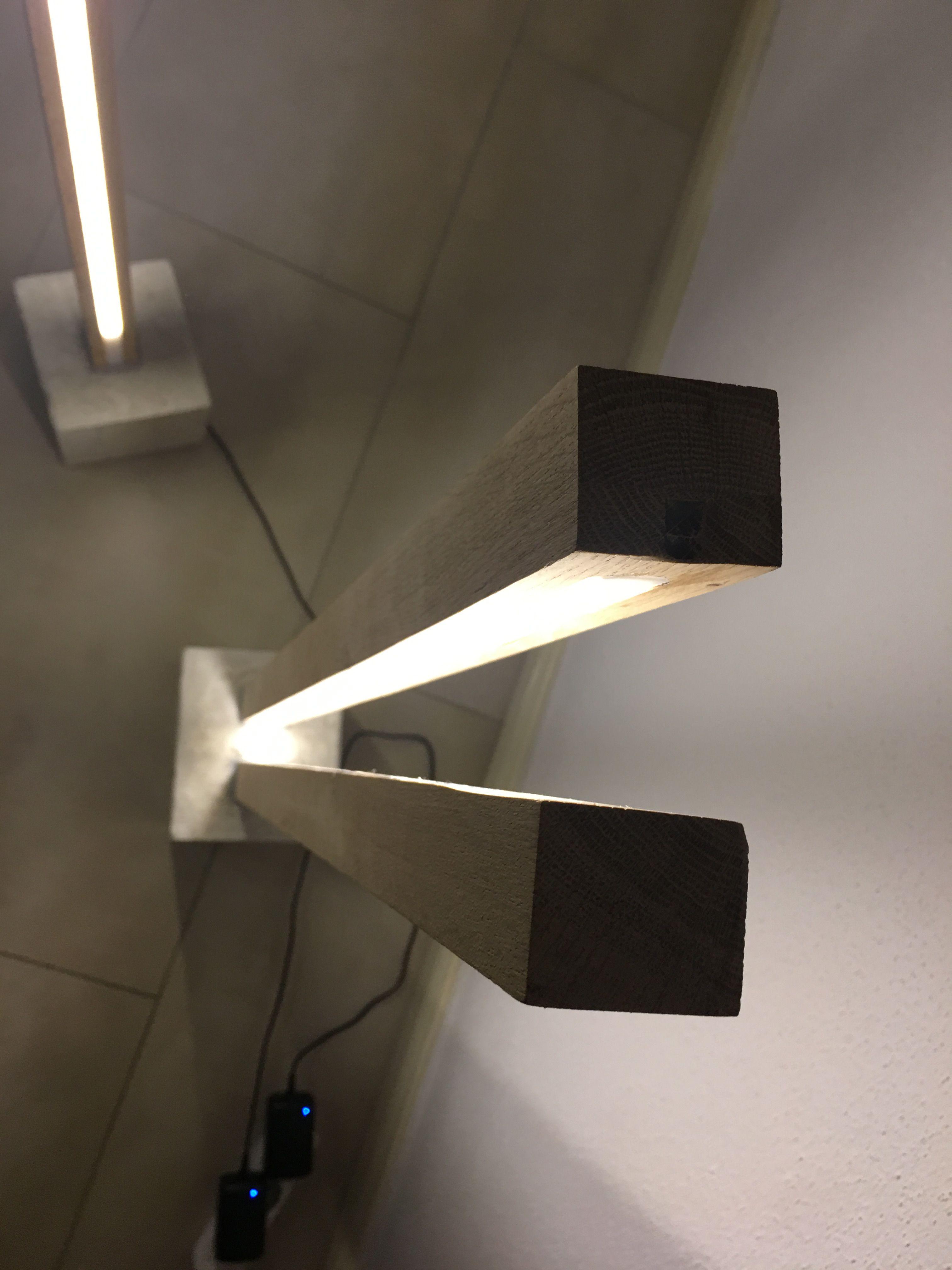 Stehlampe Lichtsaule Eiche Mit Beton Sockel Led Streifen Led
