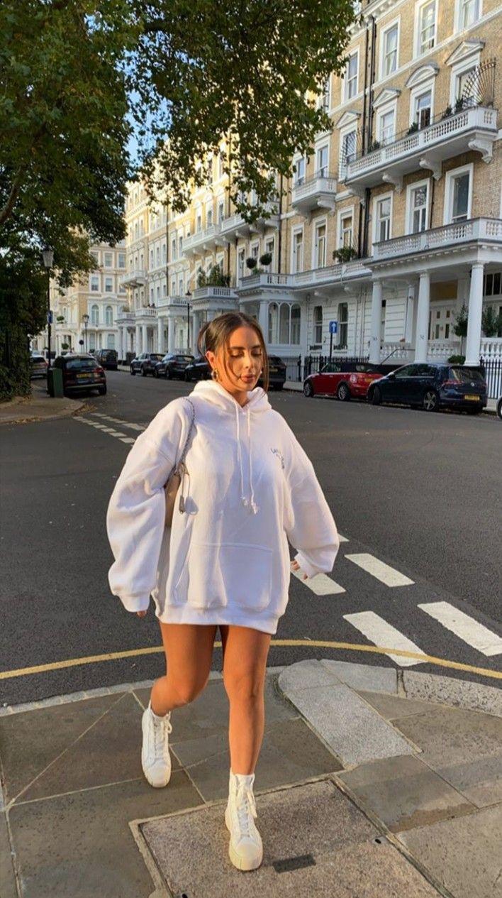 cinzia!! this hoodie!! 🤍