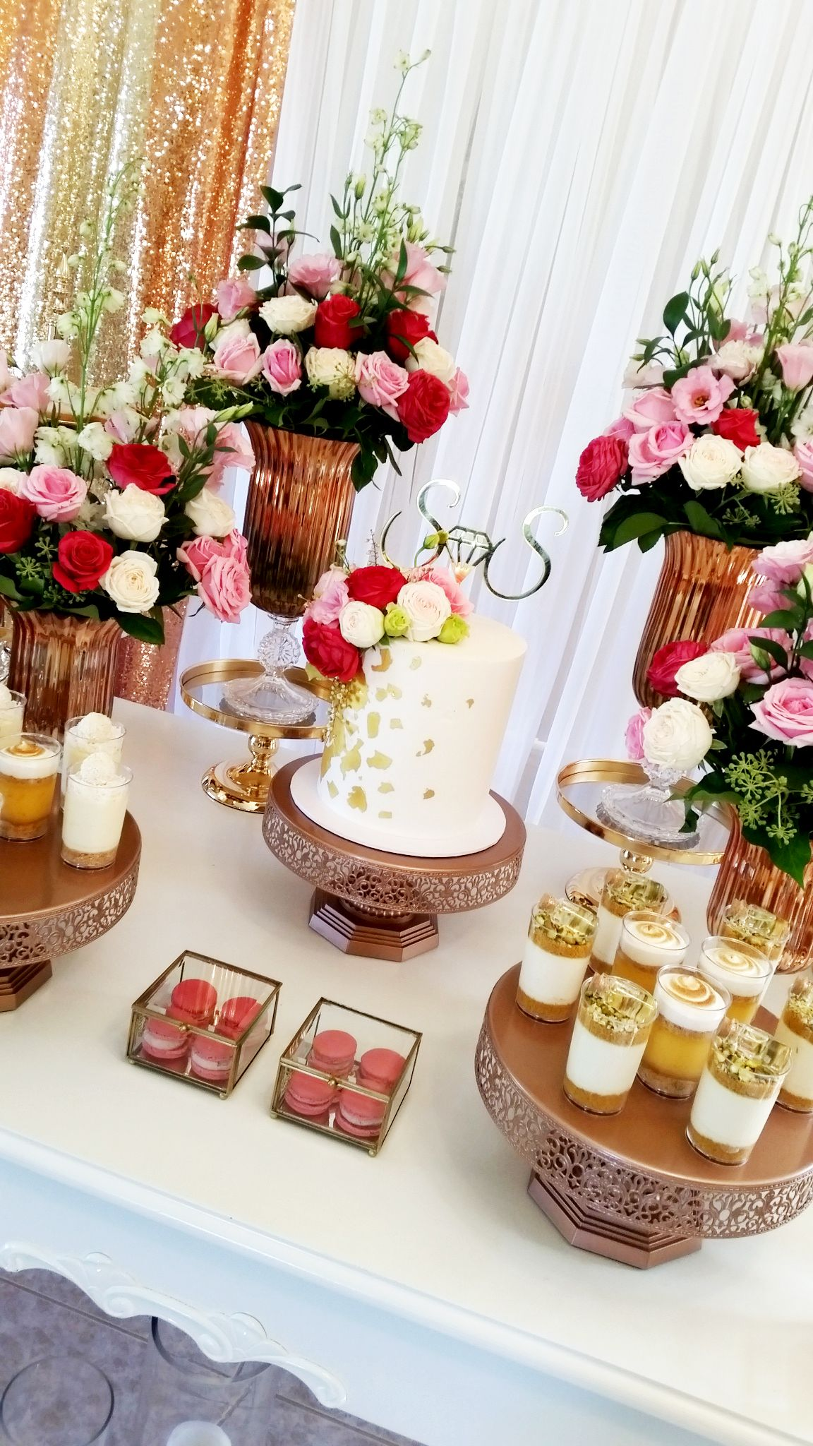 Fabulous Pink And Rose Gold Birthday Party Dessert Table Styling By Creme Co By Touran Rose Gol Candy Table Decorations Rose Gold Cake Stand Rose Gold Cake