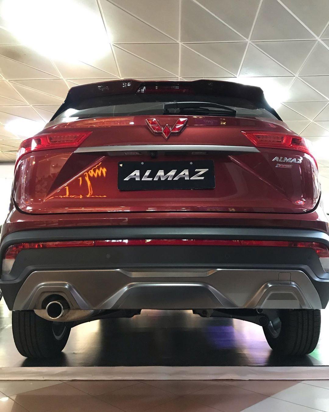 Wuling Almaz Smart Enjoy Mobil Baru