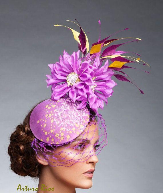 Fascinator de ciruela Lavenver malva sombrero de por ArturoRios 7f07f3e13f2