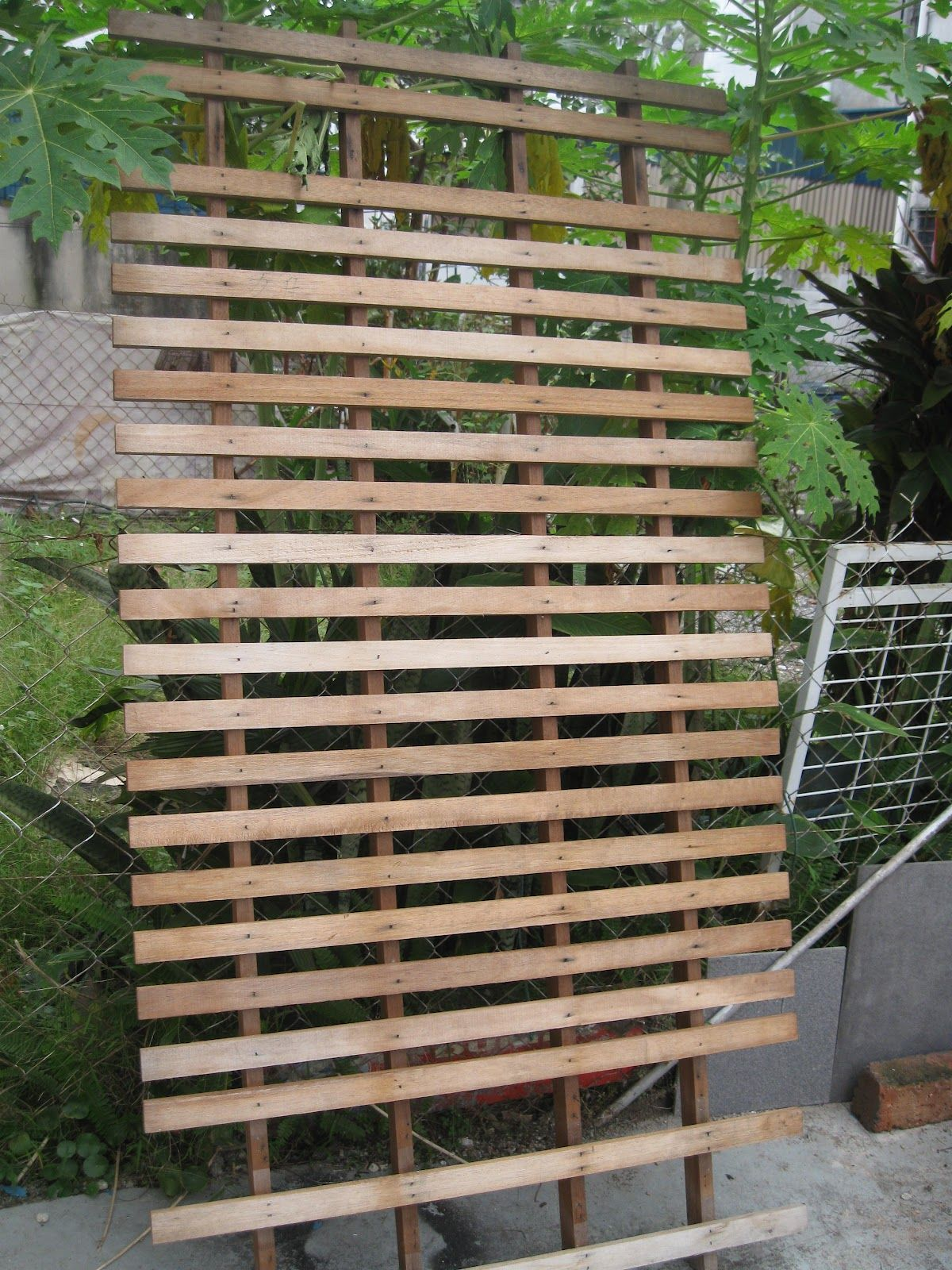 Diy Wood Privacy Screen   Diy privacy screen, Privacy ...