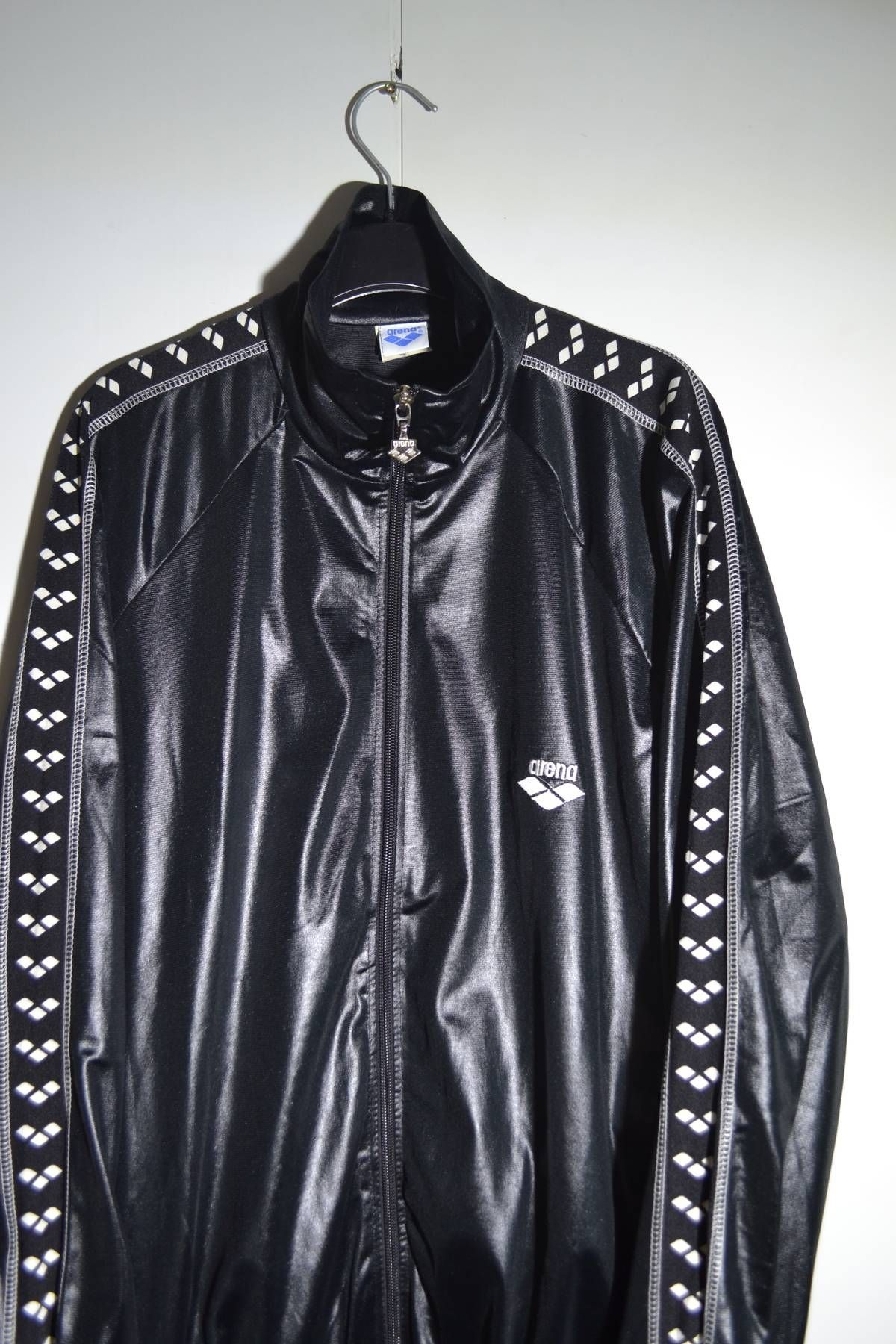a0948335e3c08 Arena Vintage Kappa style M-L size Striped Sleeves Logo Shiny Nylon ...
